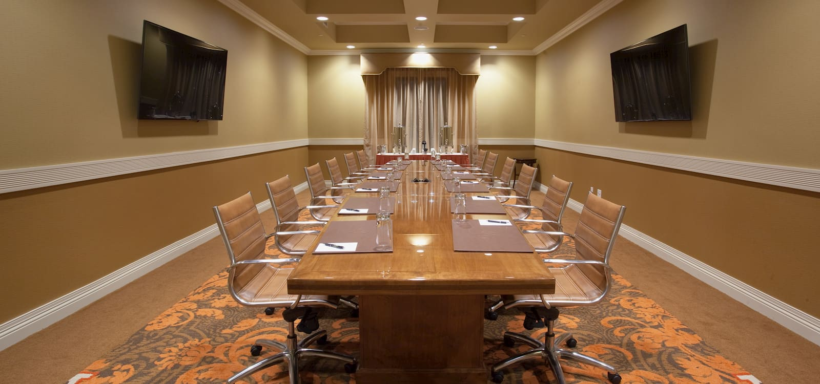 Meetings Facilities at Woolley's Classic Suites Hotel, Aurora