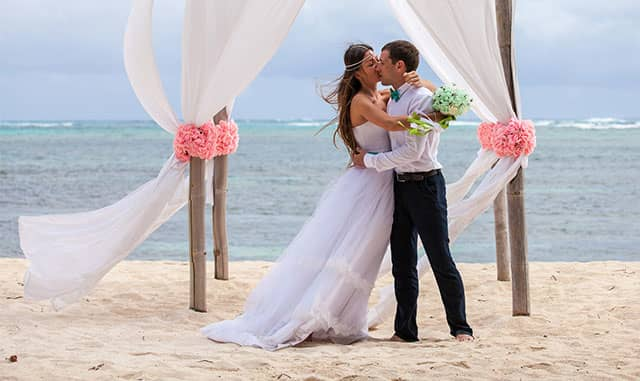 Host an Oceanfront Wedding in 2018 at our Florida Resort