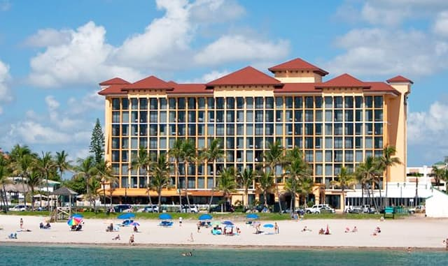 Enjoy a Fabulous Florida Staycation at Our Oceanfront Resort