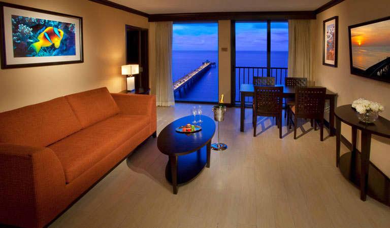 Wyndham Deerfield Beach Resort, Florida King Suite