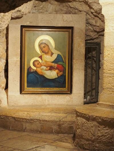 Grota Mleczna w Betlejem - obraz Matki Boskiej karmiącej
