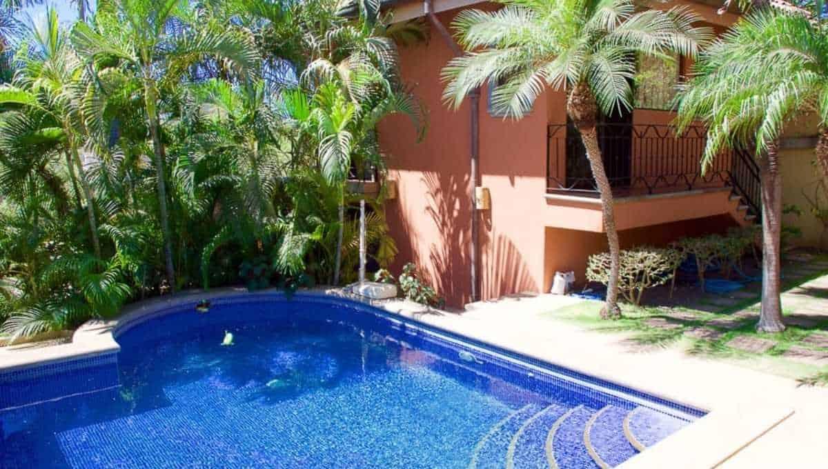 4 Bedroom Near Beach Villa