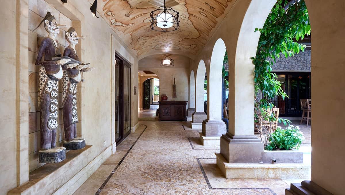 casaroca-hallwaybedrooms-langosta