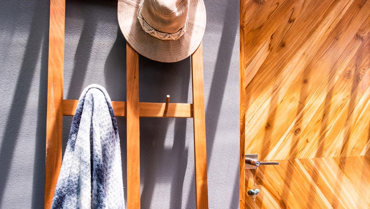 casanegra-towelrack-tamarindo