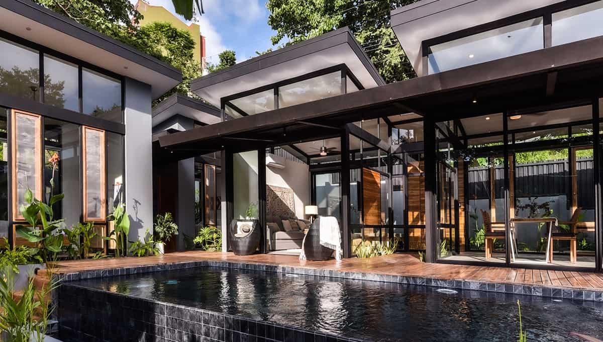 casanegra-poollivingroom-tamarindo