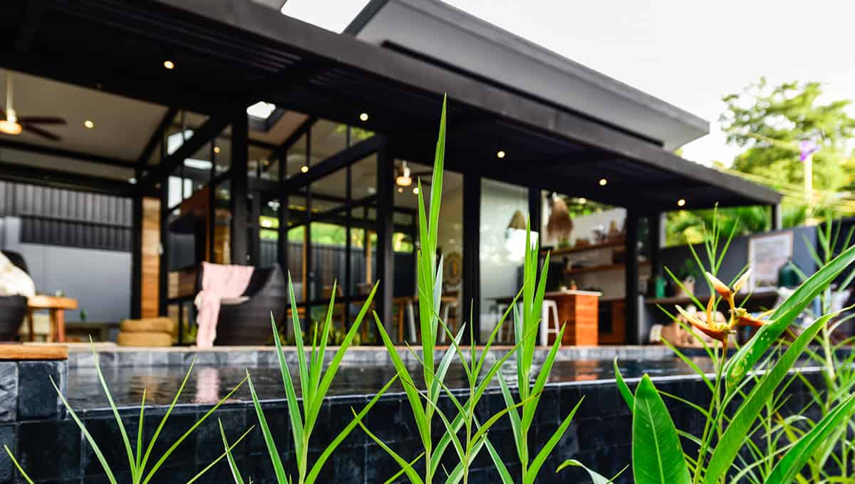 casanegra-poolgrasspatio-tamarindo