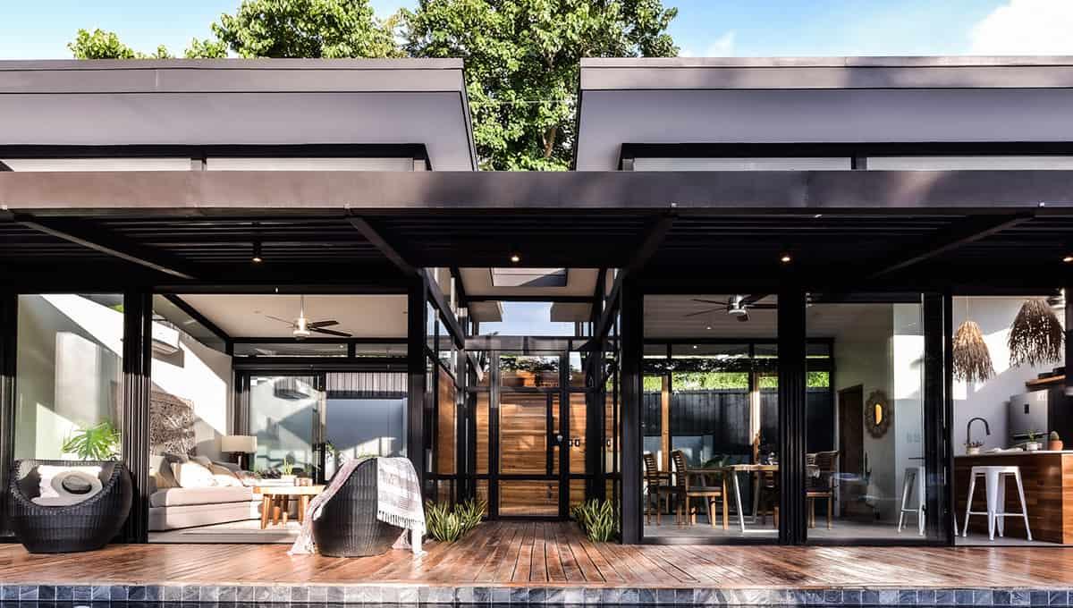 casanegra-patiolivingroom-tamarindo