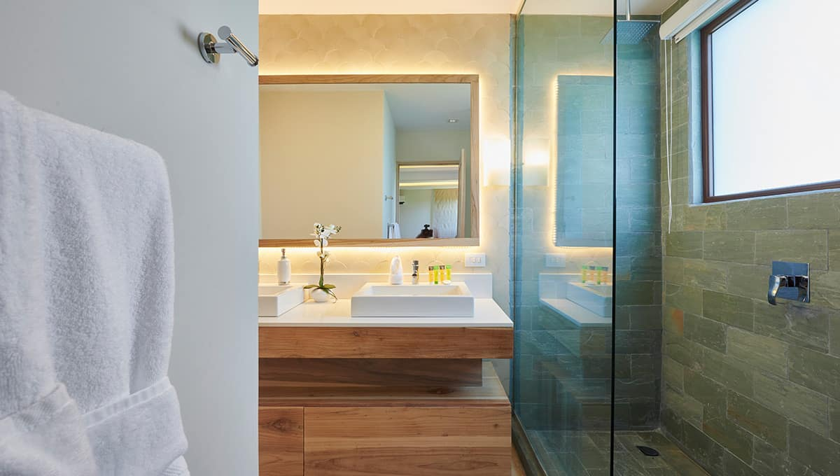 enclave49-bathroomshowersink-tamarindo