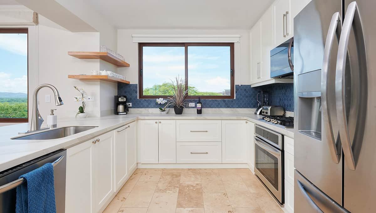enclave49-kitchen-tamarindo