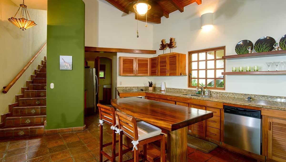 monomalo-kitchenbarstairs-langosta