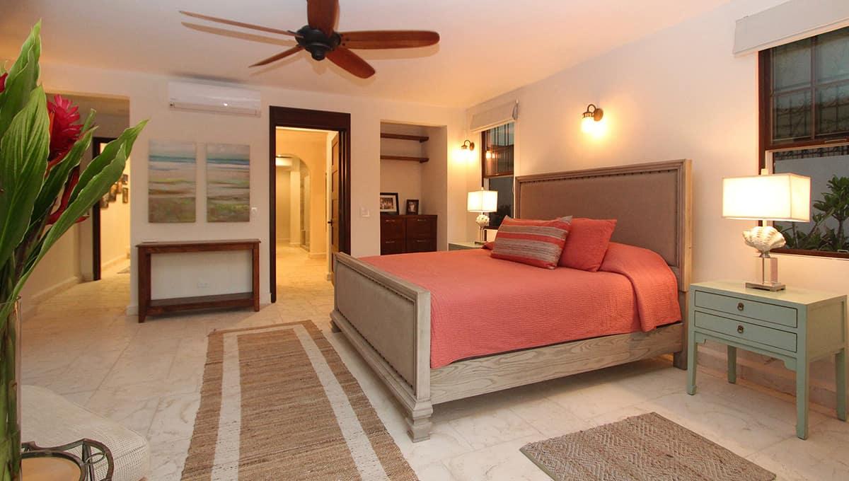 carolinadelmar-bedroomqueen2-langosta