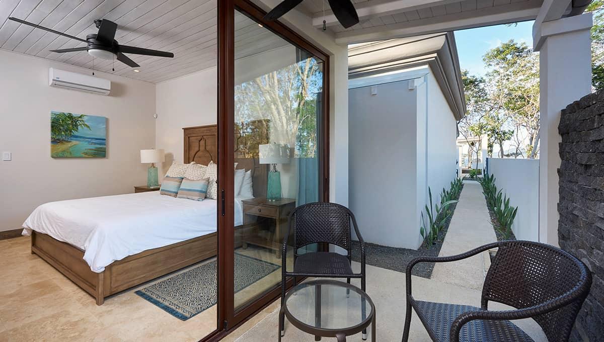 islita-patiokingroom-tamarindo