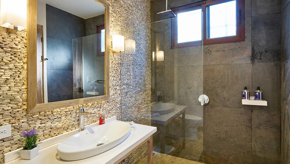 islita-bathroomsink-tamarindo