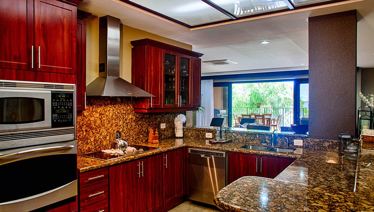 crystalsands201-kitchenview-langosta