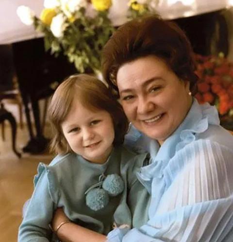 «Кремлевская принцесса» Галина Брежнева спилась и закончила дни в психушке
