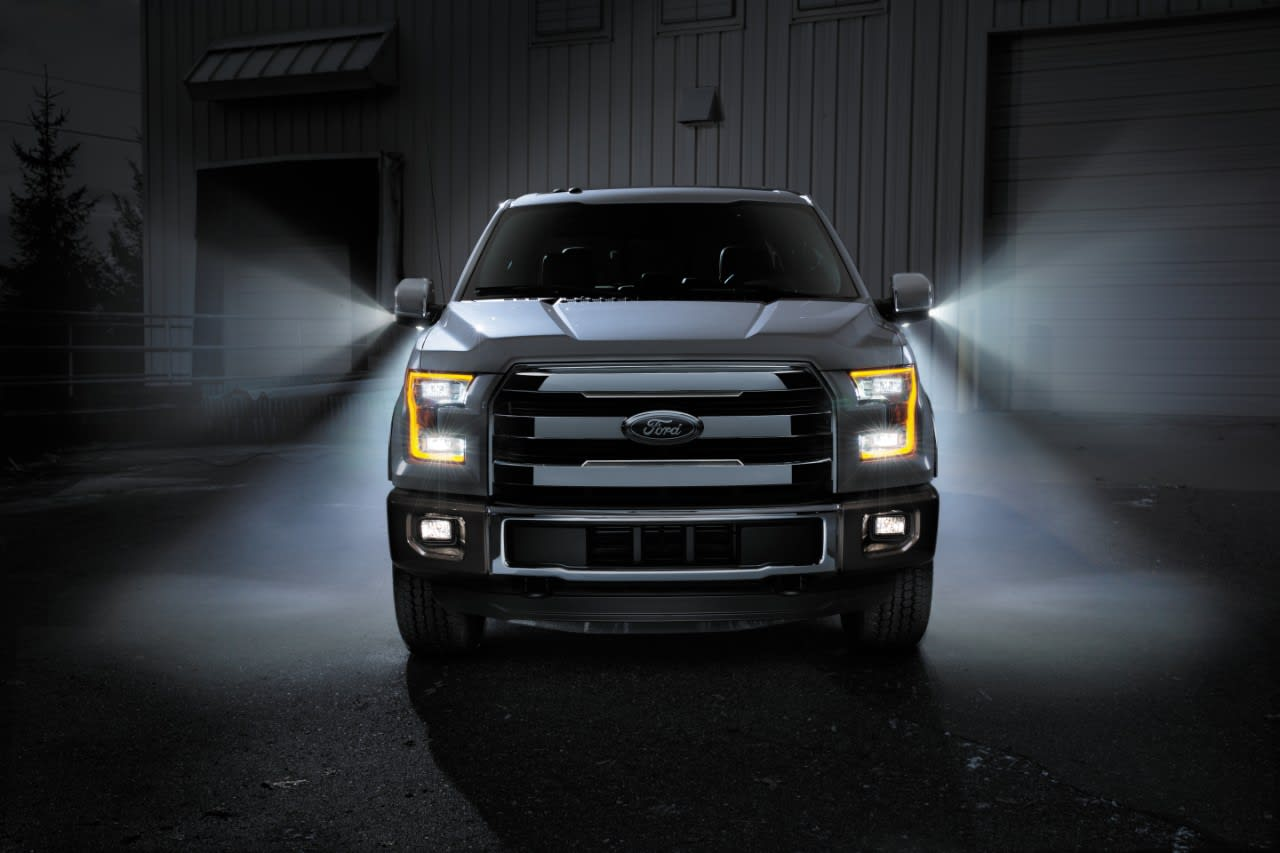Ford-F150-2015-front-on