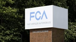 Fiat-Chrysler offices raided, EU delays antitrust ruling - report