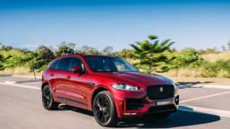 2016 Jaguar F-Pace R-Sport.