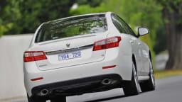 2011_renault_latitude_sedan_petrol_04