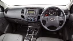 2012_toyota_hilux_02_workmate_04