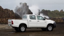 2012_toyota_hilux_02_workmate_02