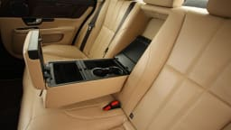 2011_jaguar_xj_diesel_road_test_review_19