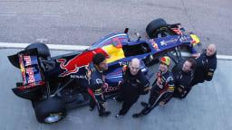 2011_red_bull_rb7_f1_race_car_15
