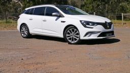 2017 Renault Megane GT-Line Wagon Review | Renault Defies The SUV Trend With Typical French Flair