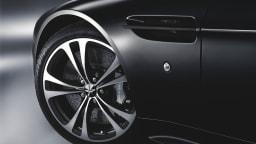 aston-martin_v12-vantage_carbon-black-edition_02.jpg