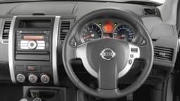 Nissan X-Trail TI: interior