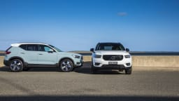 2018 Volvo XC40 T5 R-Design and T5 Momentum.