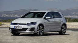 2018 Volkswagen Golf GTE Overseas Preview Drive | Volkswagen Injects A Sporty Soul Into Its Plug-In Hybrid
