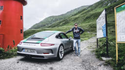 Nicolai Brook poses with the Porsche 911 R.
