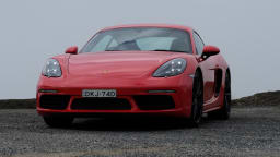 2017 Porsche 718 Cayman Review | Turbo Engine Makes The 'Baby 911' Even More Enticing