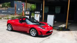 2011_tesla_roadster_2_5_static_petrol_bowser_01