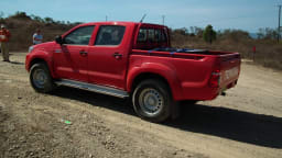 2012_toyota_hilux_road_test_review_02