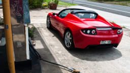 2011_tesla_roadster_2_5_static_petrol_bowser_02