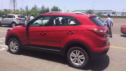 Spied! Hyundai's new Creta baby SUV .
