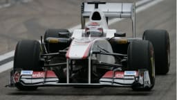 2011_sauber_c30_ferrari_f1_race_car_01