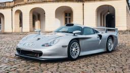 1997 Porsche 911 GT1.