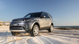 Off-road comparison: Land Rover Discovery.