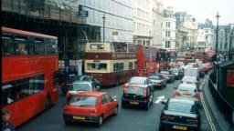 London Mayor to tax fuel-guzzlers - Porsche not happy