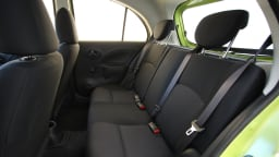 2011_nissan_micra_st_road_test_review_05