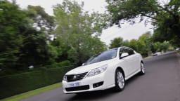 2011_renault_latitude_sedan_petrol_06