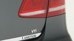 2011_volkswagen_passat_sedan_australia_v6fsi_highline_07