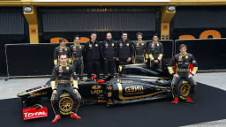 2011_lotus_renault_gp_r31_f1_race_car_04