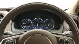 2011_jaguar_xj_diesel_road_test_review_11
