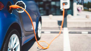 More than 400 electric vehicle charging stations to be rolled out Aus-wide