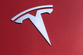 Use it or lose it: Tesla deletes feature as drivers don't use it often