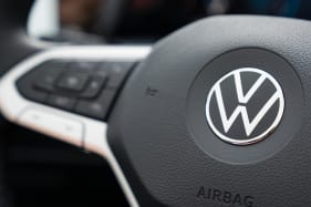 VW gets a step ahead with website page detailing model delays